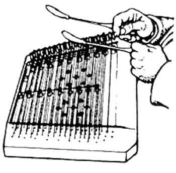 small-hammered-dulcimer