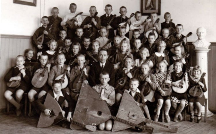 Balalaikas, domras and mandolins