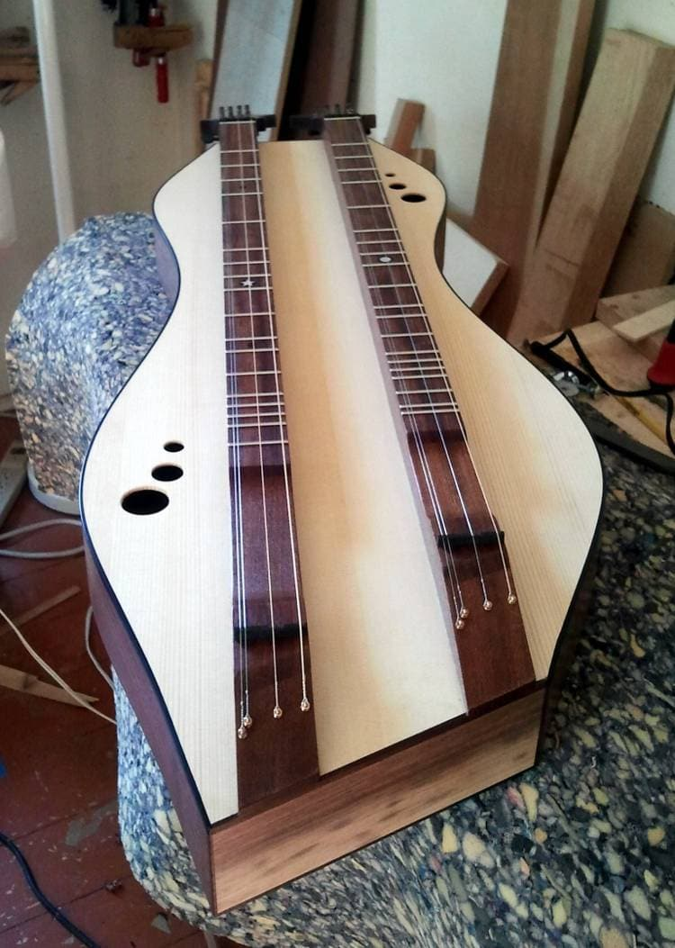 Combination baritone and standard dulcimer by Doug Berch - end view