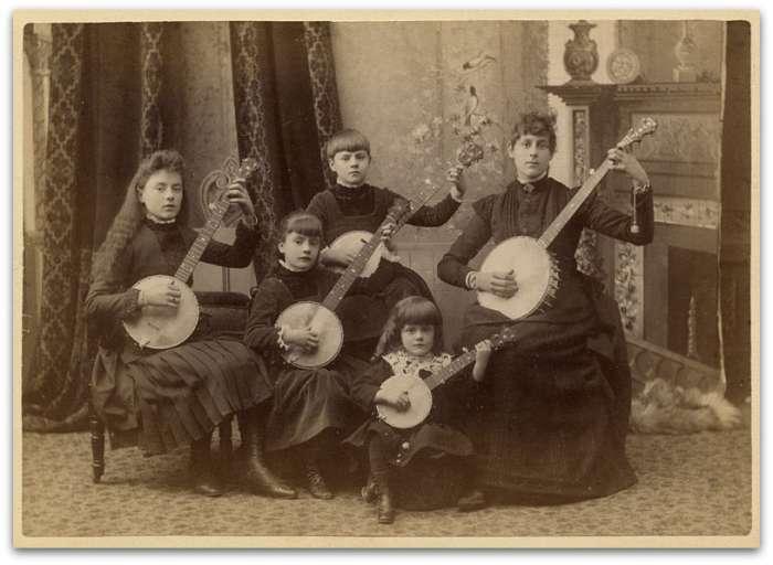 5 banjos!