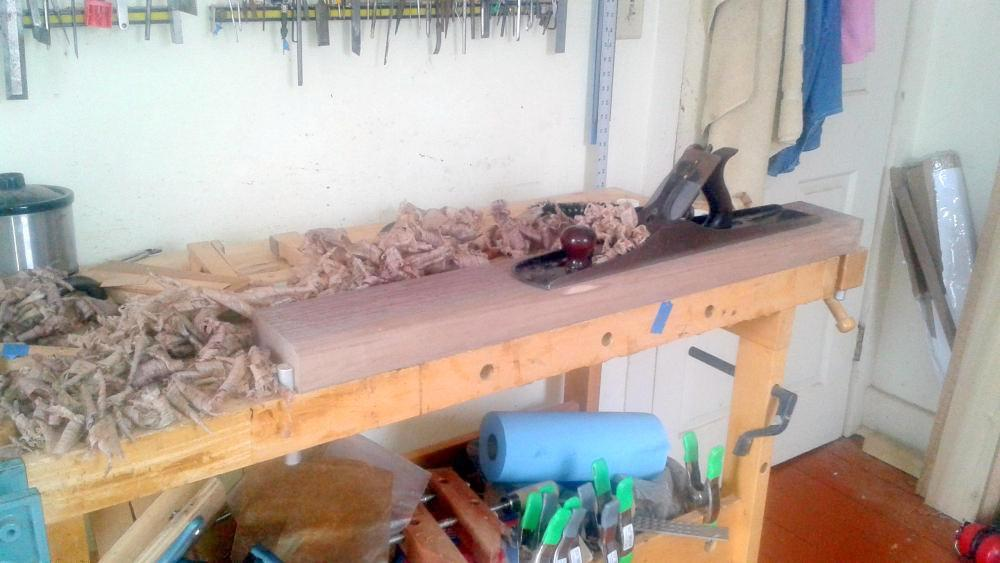 Planing walnut flat with a #7 plane